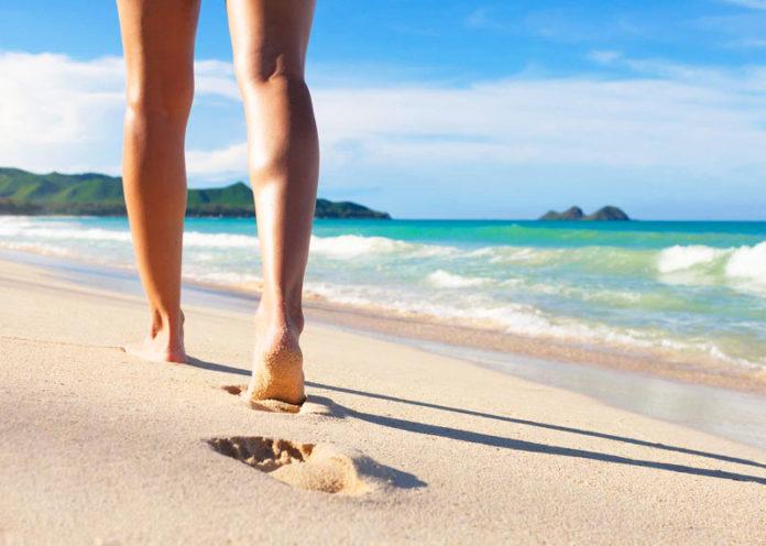 Beach Walking camminare sulla spiaggia