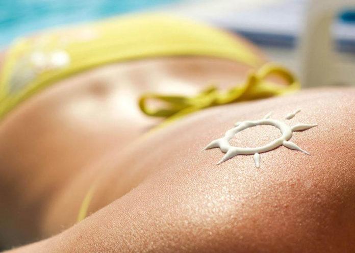 Rimedi naturali e alimentazione per mantenere l'abbronzatura più a lungo