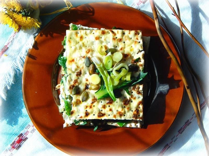 Pane azzimo croccante cotto in forno e farcito