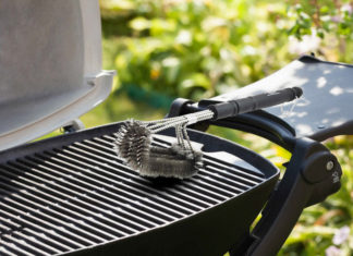 Pulire barbecue con prodotti naturali