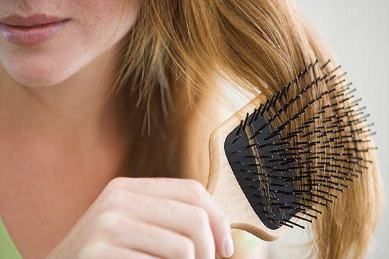 Contrastare la perdita dei capelli in autunno