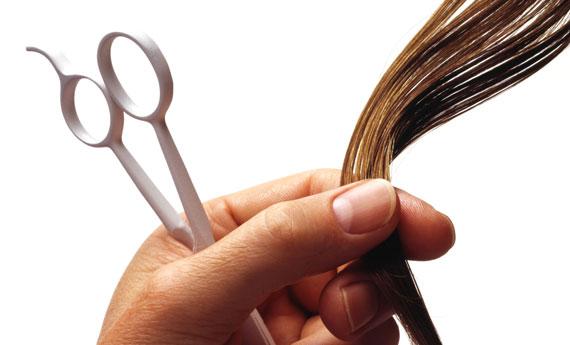 tagliare i capelli per rinforzarli