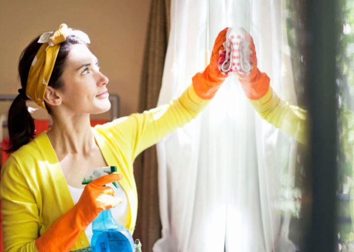Pulizie di casa valgono come attività fisica