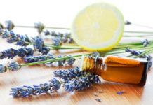 Bevanda acqua, limone e lavanda contro mal di testa e stati d'ansia