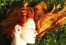 Rimedi naturali per capelli sani, folti e lucenti prima dell'estate