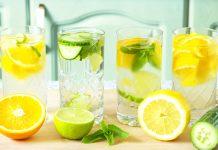 Acqua aromatizzata con frutta e verdura di stagione