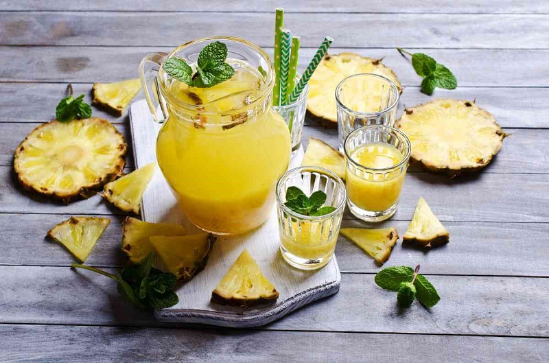 Succo di ananas naturale