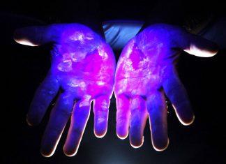 Germi sulle mani bagni pubblici