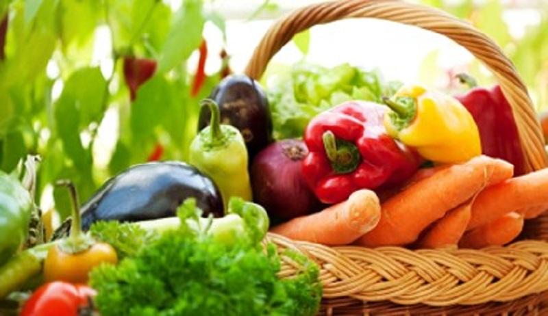 verdure fresche di stagione in primavera