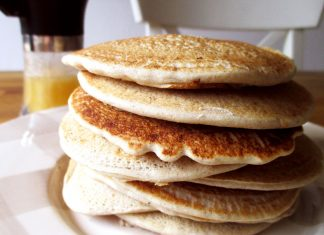 Pancake all'avena fatti in casa (proteici e benefici per l'intestino)