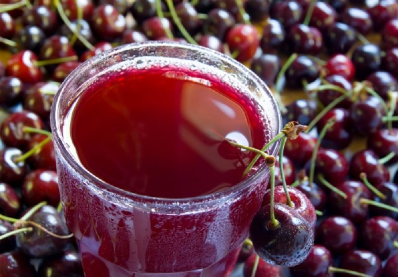 Centrifugato ciliegie, zenzero e lime