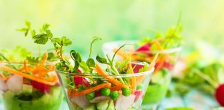 Alimentazione sana con cibi crudi