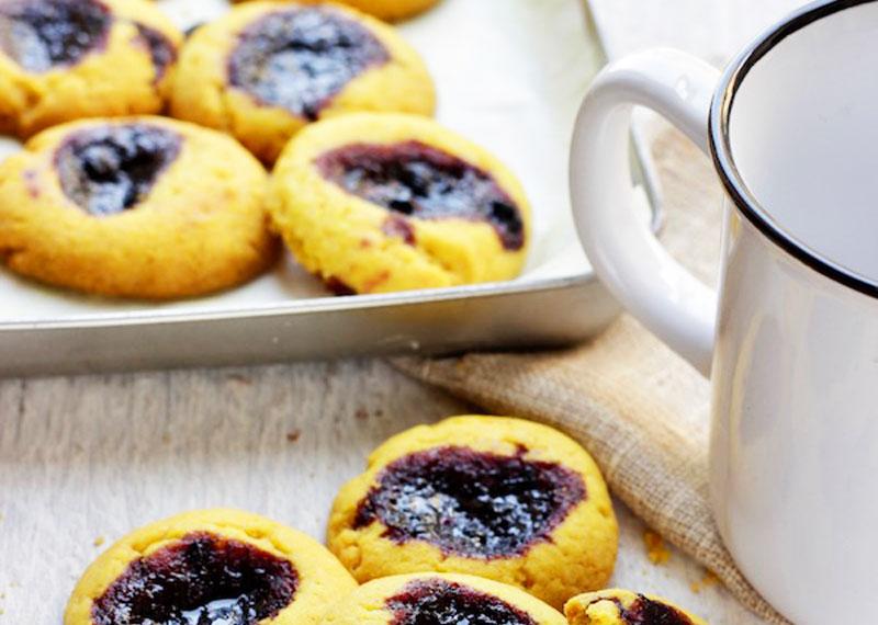 Biscotti fatti in casa curcuma pepe e mirtilli benessere alimentazione sana prodotti bio e - Detersivi naturali fatti in casa ...