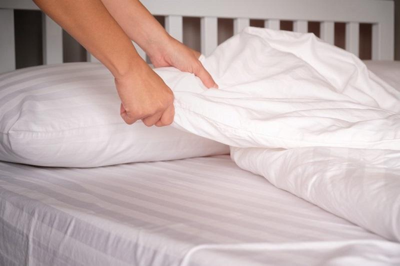 cambiare le lenzuola per evitare funghi e batteri