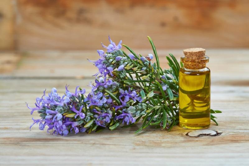 olio essenziale per gambe gonfie