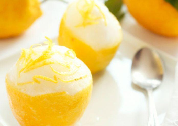 Sorbetto al limone e zenzero (ricetta vegan senza panna né uova)