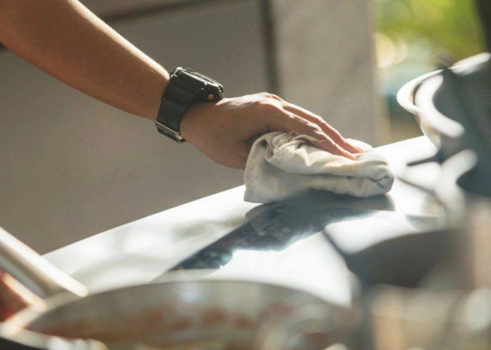 Asciugamani e strofinacci da cucina ricettacolo di pericolosi batteri