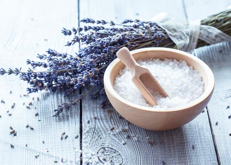 Sali da bagno fai da te come preparare quelli drenanti ed - Bagno rilassante fai da te ...