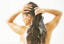 Lavare i capelli con il bicarbonato