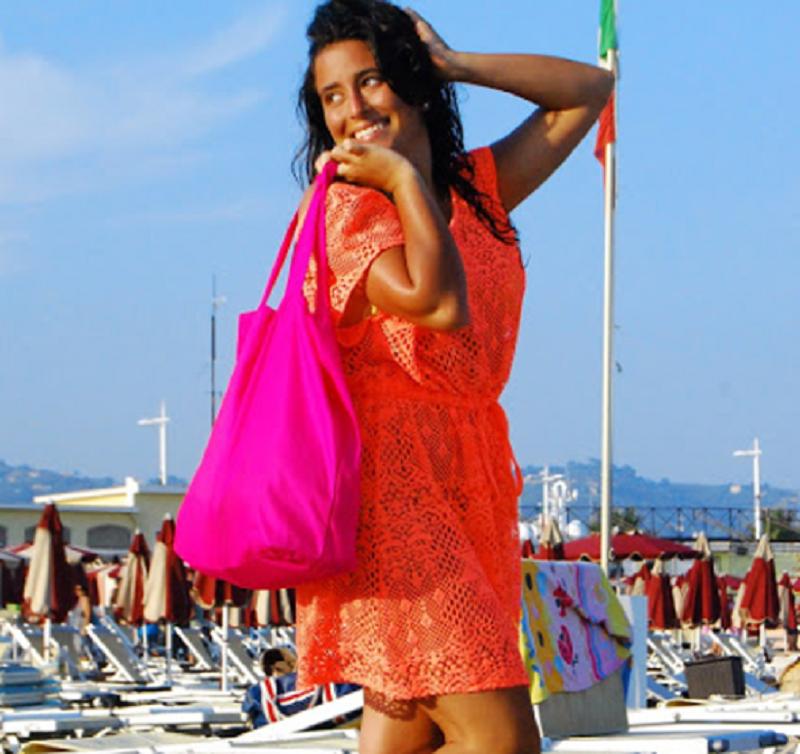 indossare il rosso in spiaggia