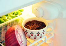 9 alimenti da non mettere mai in frigo (neanche in estate)