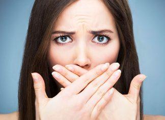 """Alitosi e igiene orale: 5 azioni """"fai da te"""" per eliminare l'alito cattivo"""