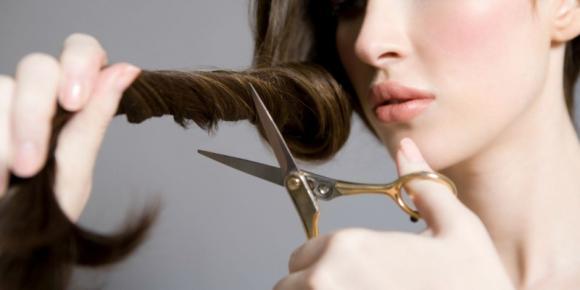 spuntatina per far crescere i capelli più sani e forti