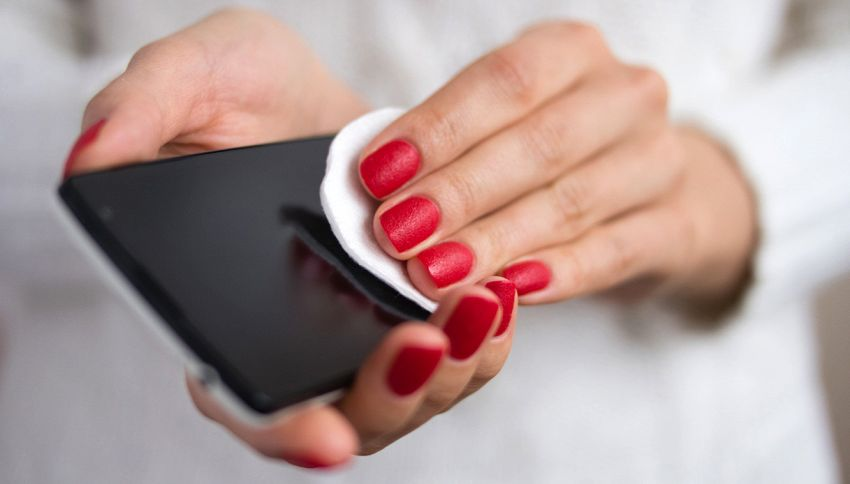 come pulire lo smartphone