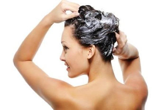 acqua di cottura del riso per i capelli