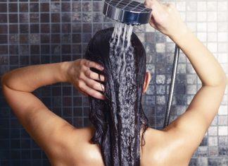 Lavare i capelli senza shampoo: cowash, bicarbonato e aceto
