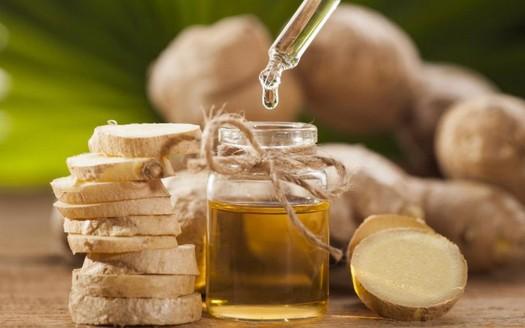 Olio di oliva e zenzero per combattere il dolore articolare alle ginocchia