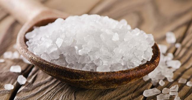 Dolori alle ginocchia ecco 3 rimedi naturali da fare a - Sali di epsom bagno ...