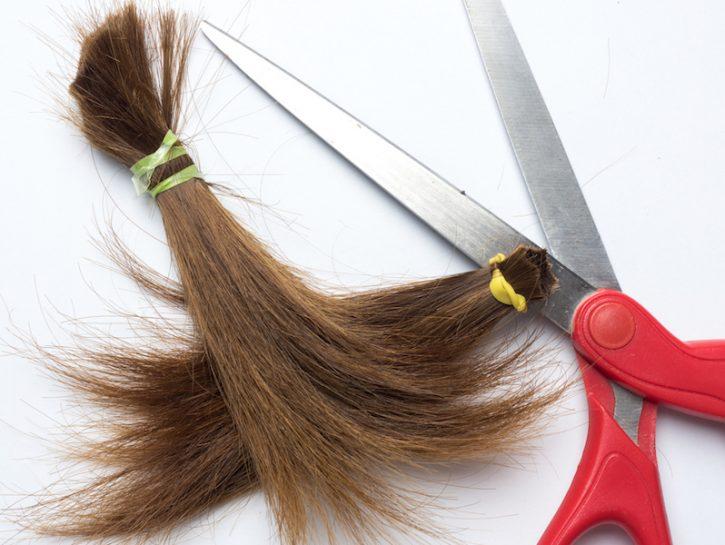 spuntare i capelli