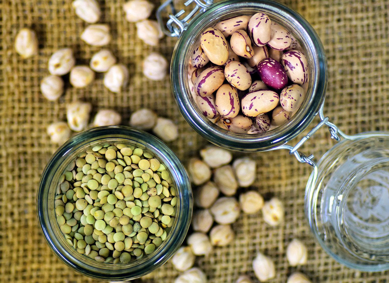 legumi secchi in barattolo