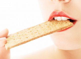 """""""Crunch effect"""": dimagrire grazie al suono della masticazione"""