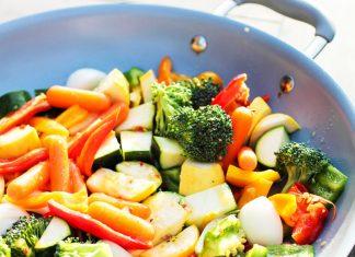 Verdure e nutrienti: ecco quelle da cuocere e quelle da mangiare crude