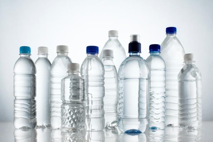 divieto totale degli oggetti in plastica monouso a partire dal 2021