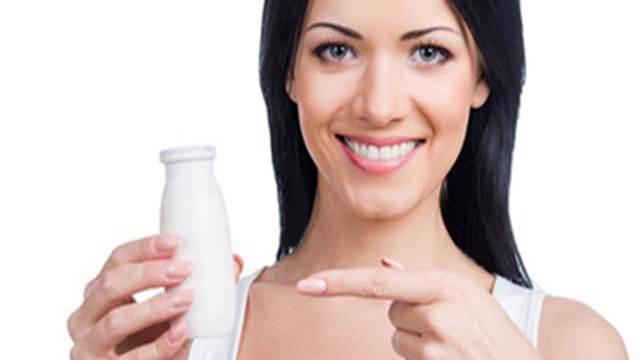 pelle luminosa con i fermenti lattici