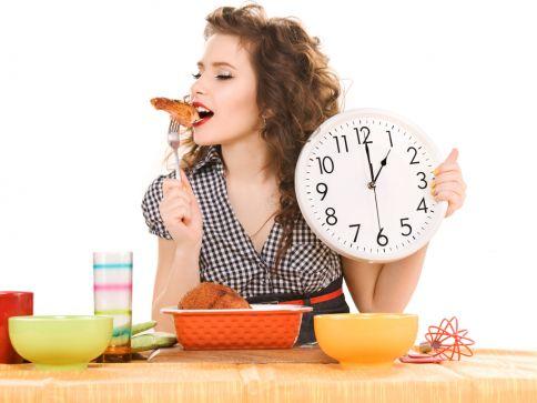 a quali orari mangiare