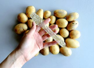 Plastica di patate: 100% biodegradabile e anche commestibile