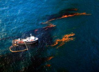 Petrolio in mare in Canada, il peggior disastro ambientale del paese