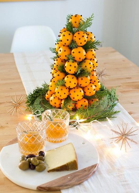 Arance e chiodi di garofano per la tavola di Natale