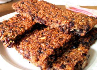 """Croccante di Natale """"fai da te"""": light e proteico con la quinoa"""