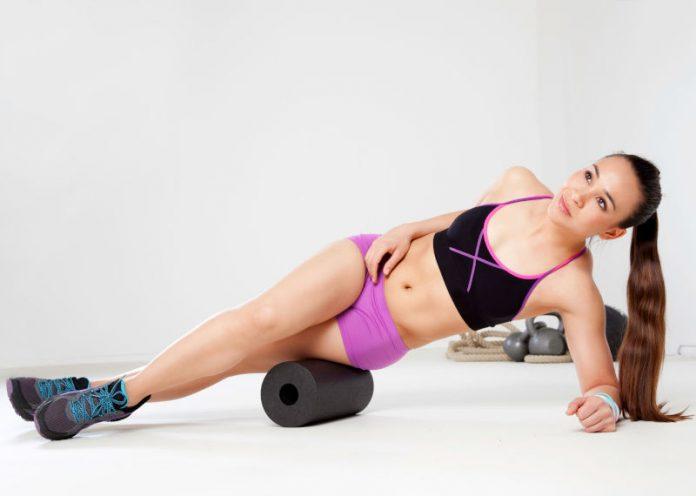Foam Roller, combattere la cellulite mentre si allunga i muscoli