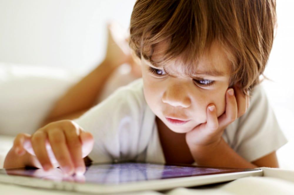 Utilizzo tablet e cellulare nei bambini