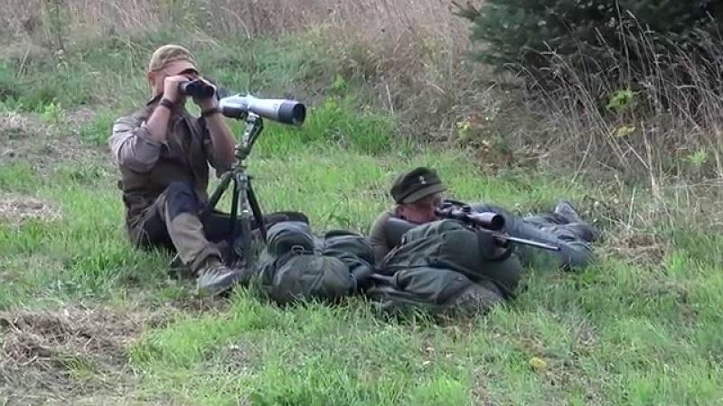 cacciatori in appostamento