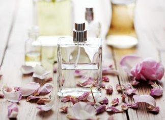 Come conservare a lungo il profumo: ecco il trucco più efficace