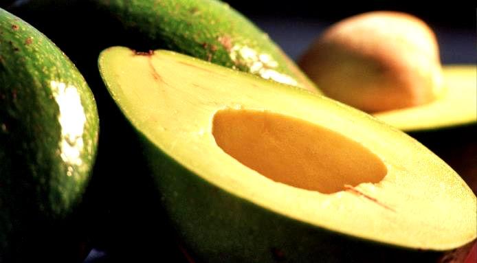 3 trucchi sperimentati per far maturare l'avocado in poche ore