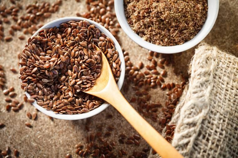 farina di semi di lino proprietà benefiche