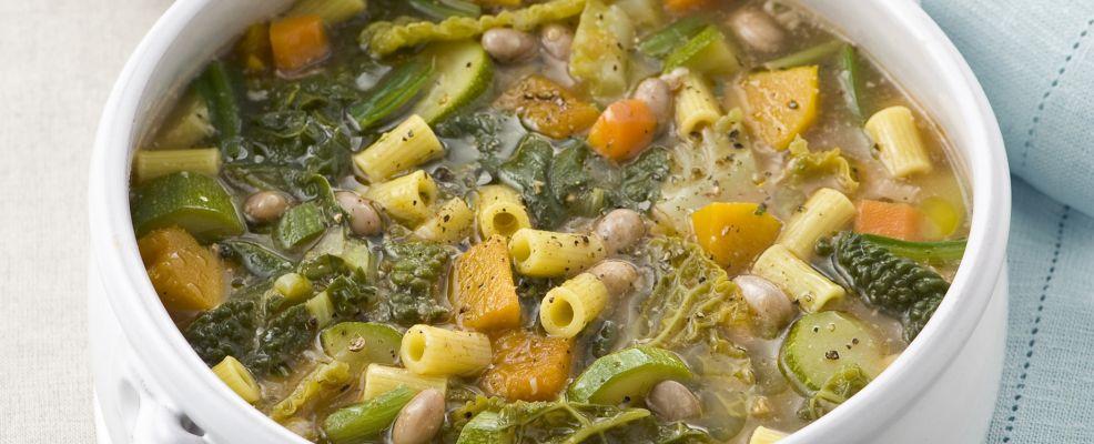 zuppa, minestrone con fagioli